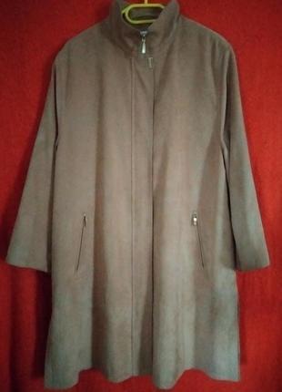 Цвет капучино  пальто тренч немецкого бренда  basler,фото не передает цвет