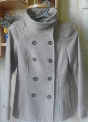 Пальто пиджак демисезонный.