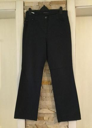 Классические джинсы от бренда brax. италия . качество. состояние новых.