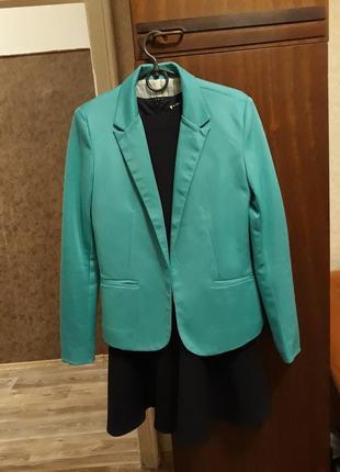 Яркий пиджак zara