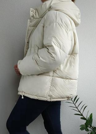 Куртка зефирка нюдовая оверсайз с капюшоном меховым пуховик