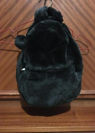 Женский мягкий рюкзак. черного цвета.
