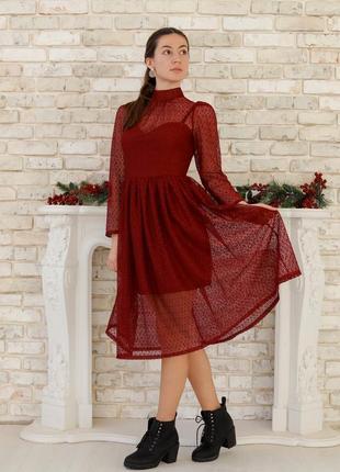 Нарядное новогоднее кружевное платье