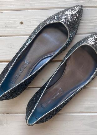 Новые блестящие балетки zara размер 37