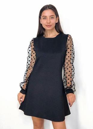 Маленькое черное платье платье с гипюровыми рукавами