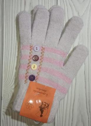 Вязанные шерстяные перчатки
