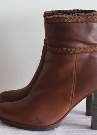 Роскошные кожаные сапожки 39-40van dalen