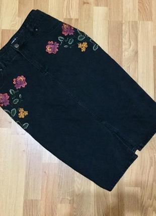 Юбка джинсовая с вышивкой tu