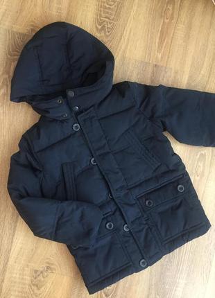 Брендова пухова куртка на хлопчика 4-5 років
