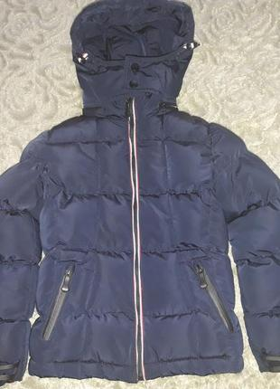 Продам зимову фірмову теплу куртку