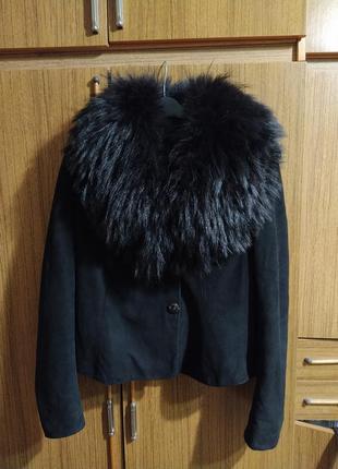 Натуральная кожа овечья (замш) куртка с натуральным мехом песца.