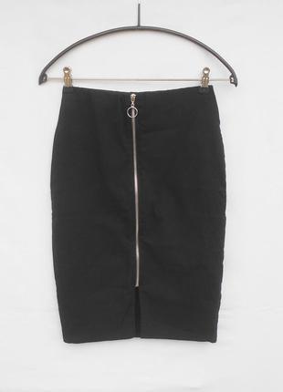 Базовая черная  стрейчевая юбка  карандаш миди на молнии  из вискозы