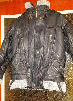 Курточка, дублёнка с капюшоном, зимняя с мехом