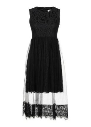 Красивое кружевное платье с сеточкой