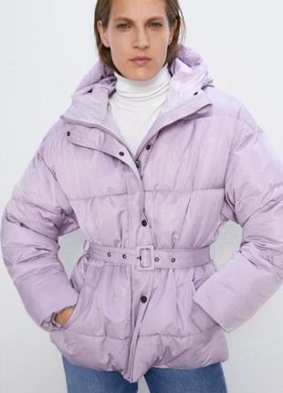 Стёганная куртка zara лилового цвета размер xs s m
