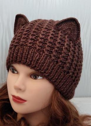 Вязаная шапка кошка цвета коричневый меланж зимняя шатка с ушками коричневого цвета