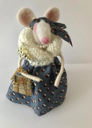Интерьерная игрушка валяння мышь
