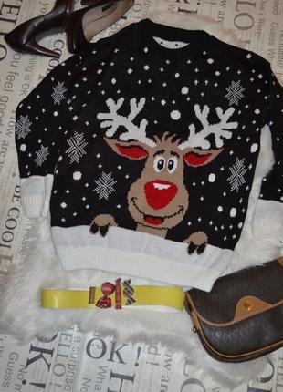 Новогодний праздничный свитер с оленем