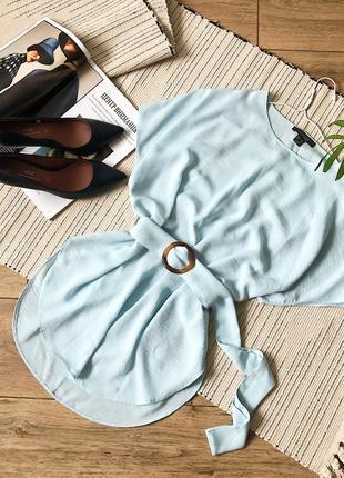 Стильна блузка з пояском