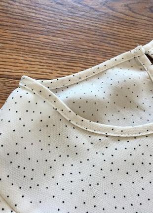 Стильная белая блуза в принт размер l