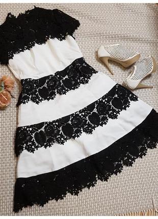 Белое платье с крупным кружевом by very