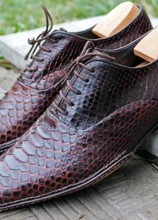 Giorgio armani стильные туфли крокодил