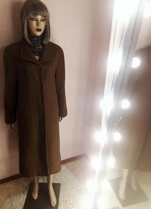 Длинное шерстяное зимнее бежевое пальто классическое прямого кроя оверсайз