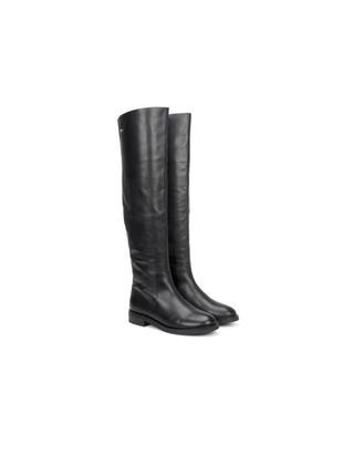 Фирменные кожаные зимние ботфорды, сапоги на низком каблуке, сезон зима