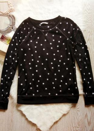 Черный мягкий свитшот джемпер с белыми звездочками на манжетах резинках флисовый