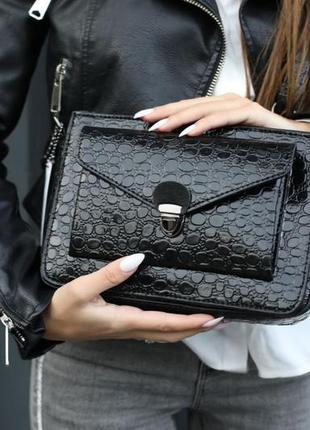 Молодежная сумка-клатч деловая лаковая черная кросс-боди через плечо