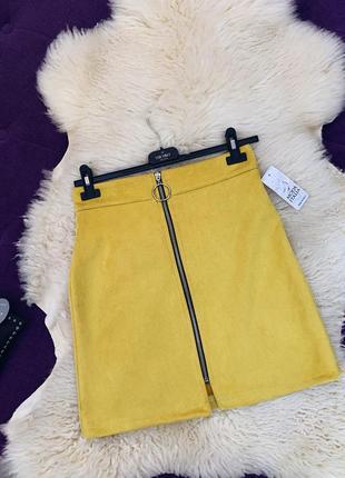 Стильная юбка из еко замши в желтом цвете
