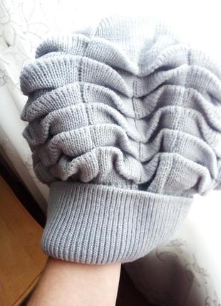 Серый берет-шапка.