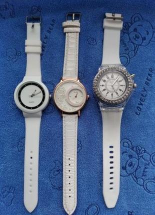 Часы женские наручные белые золотые светящиеся стильные