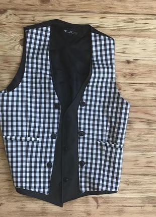 Шикарная мужская жилетка под рубашку