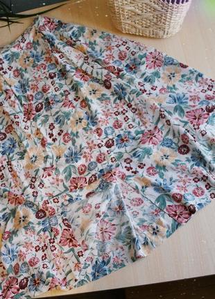 Юбка миди в цветочек белая на пуговицах длинная на резинке