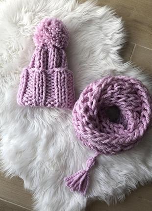 Комплект шапка и хомут полушерсть из толстой нитки, темно розовый цвет