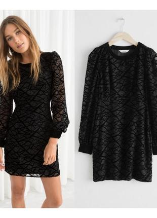 Черное платье с бархатом