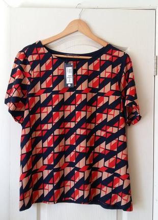 Футболка-блуза  в геометрический принт 18 р.