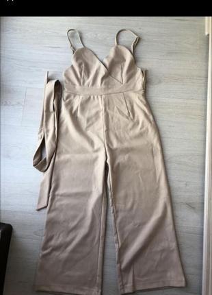 Новый бежевый кремовый трикотажный брючный комбинезон брюки