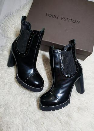 Сапожки ботинки на высокам каблуке vip качество