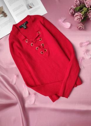 Червона тепленька кофтинка amisu в рубчик з люверсами і завязкою  ❤
