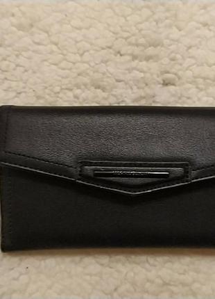 Черный кошелек со множеством отделений