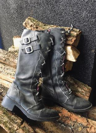 Полностью кожаные сапоги с кожаными шнурками. бренд zoo york. в винтажном стиле