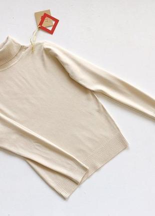 Новый стильный  гольф натуральная ткань цвет молочный размер s-m