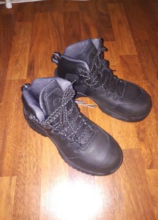 Кожанные ботинки new balance 40