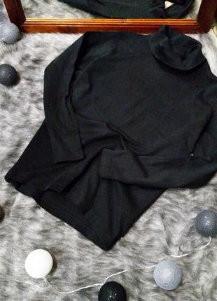 Базовая черная водолазка гольф