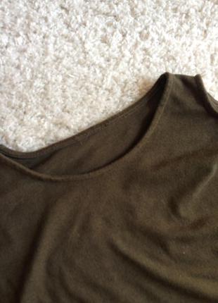 Легкий світерок з відкритими плечима
