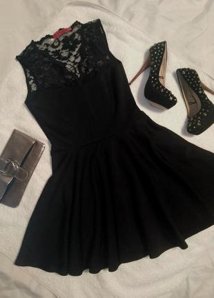 Маленькое чёрное платье коктельное