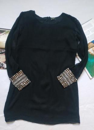 """Минималистичное чёрное платье свободного кроя с декорированными манжетами """"rise"""""""
