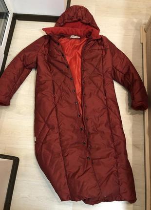 Красное тёплое зимнее синтеновое пальто куртка пуховик